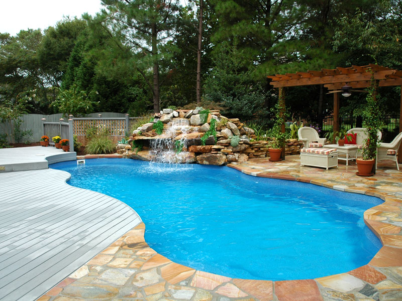 Few Things to Consider While Renovating A Swimming Pool